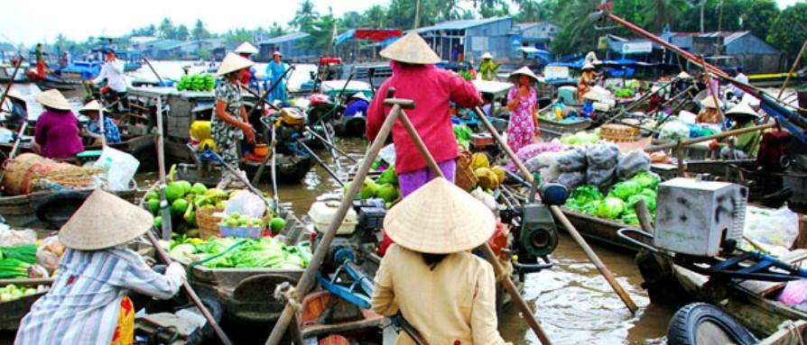 Cai Be in de Mekong delta drijvende markt
