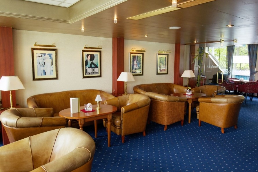 MS Amadeus Classic lounge2